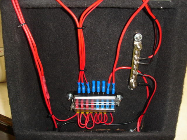 con1 cons 12 volt battery management for his camper trailer wiring 12v to fuse box at nearapp.co